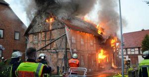 20200623-fachwerkhaus-wir-raub-der-flammen